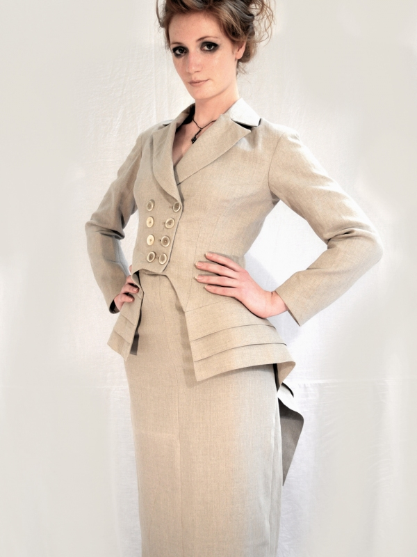 Ladies Tail Coat